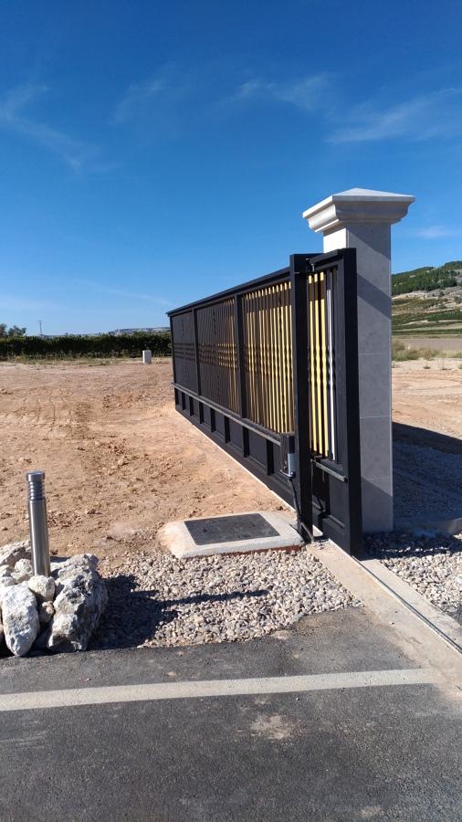Proyecto de Accesos a Bodegas Valpincia Peñafiel  (VA)