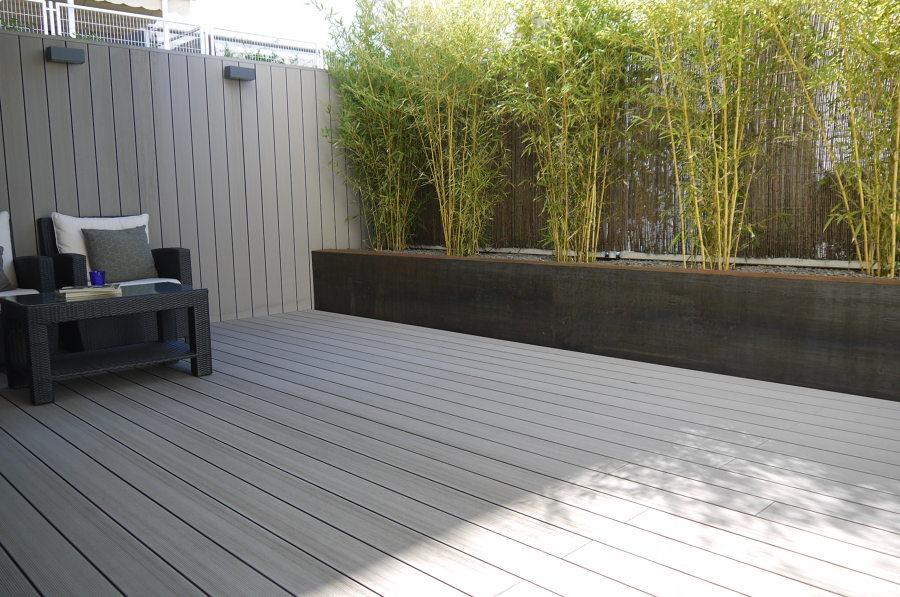 Foto tarima tecnol gica y jardinera acero corten de - Jardineras con bambu ...