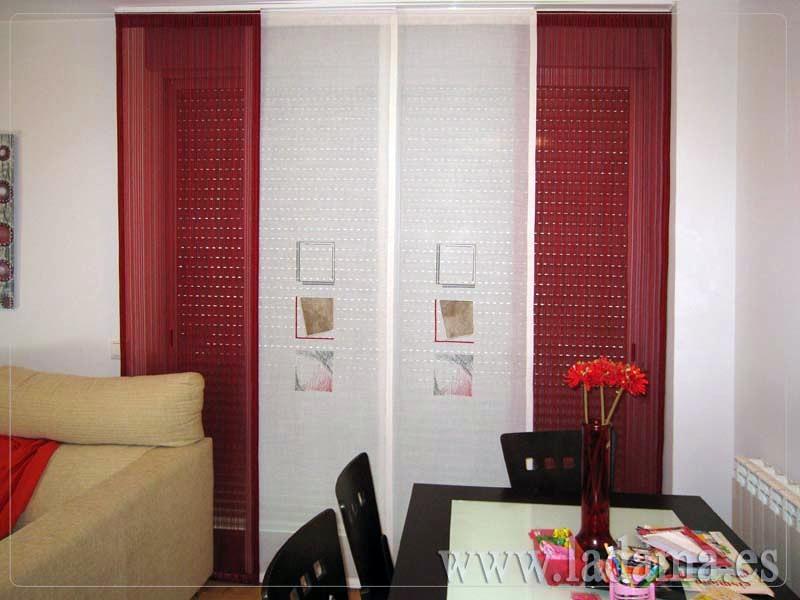 Foto panel japon s combinado con lamas rojas de la dama - Estores para balcones ...