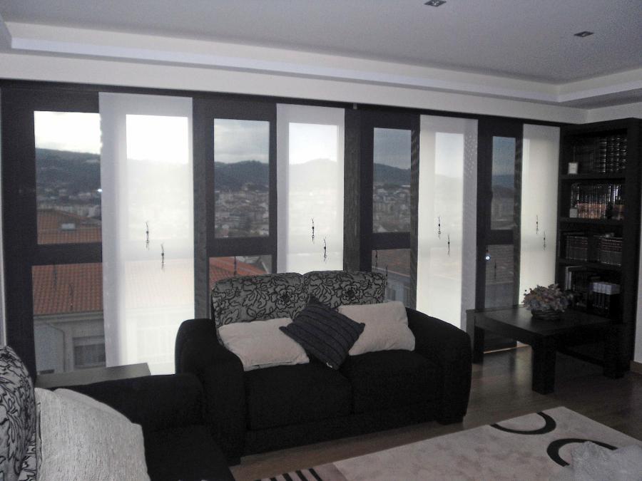 Foto panel japones de screen bordado de cortinas luis vizcaya 211356 habitissimo - Panel japones cortinas ...