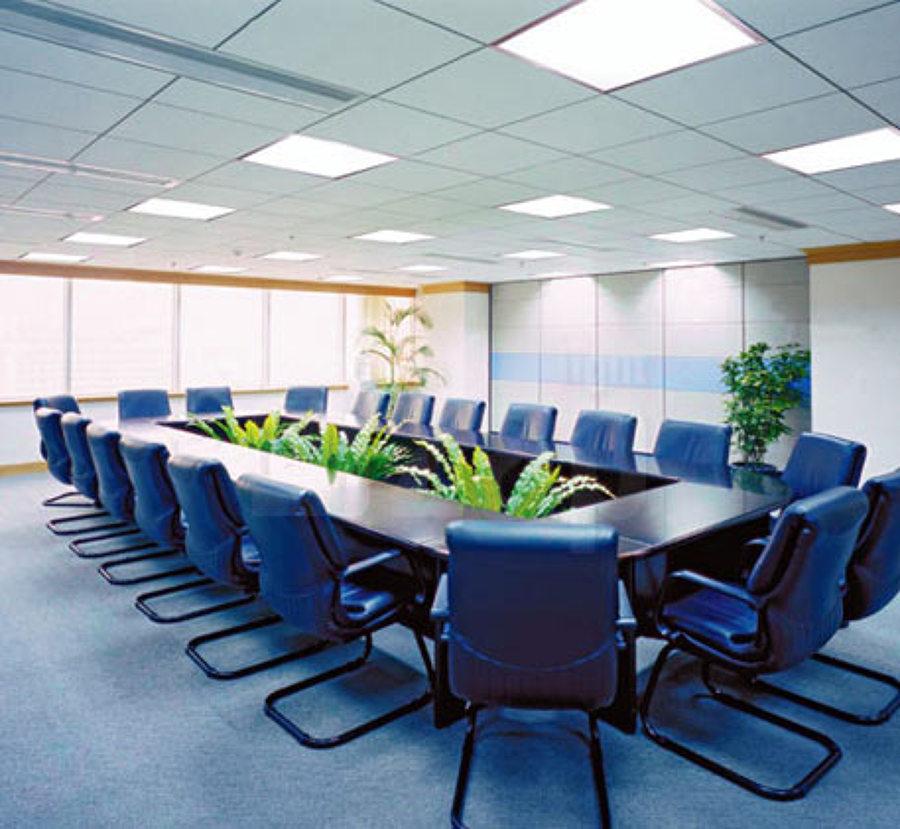 Instalación de sala de reuniones presidencia.