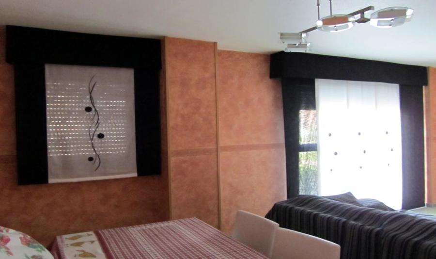 Foto paneles combinados y estores de cortinas amalia - Decoracion cortinas y estores ...