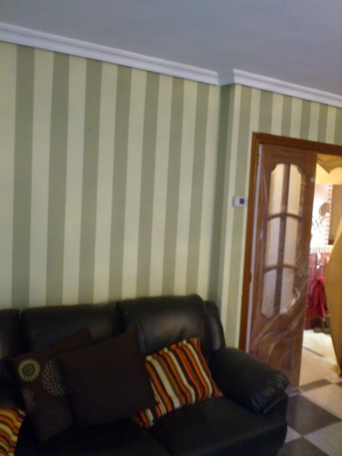 pared de rayas de 10 cm