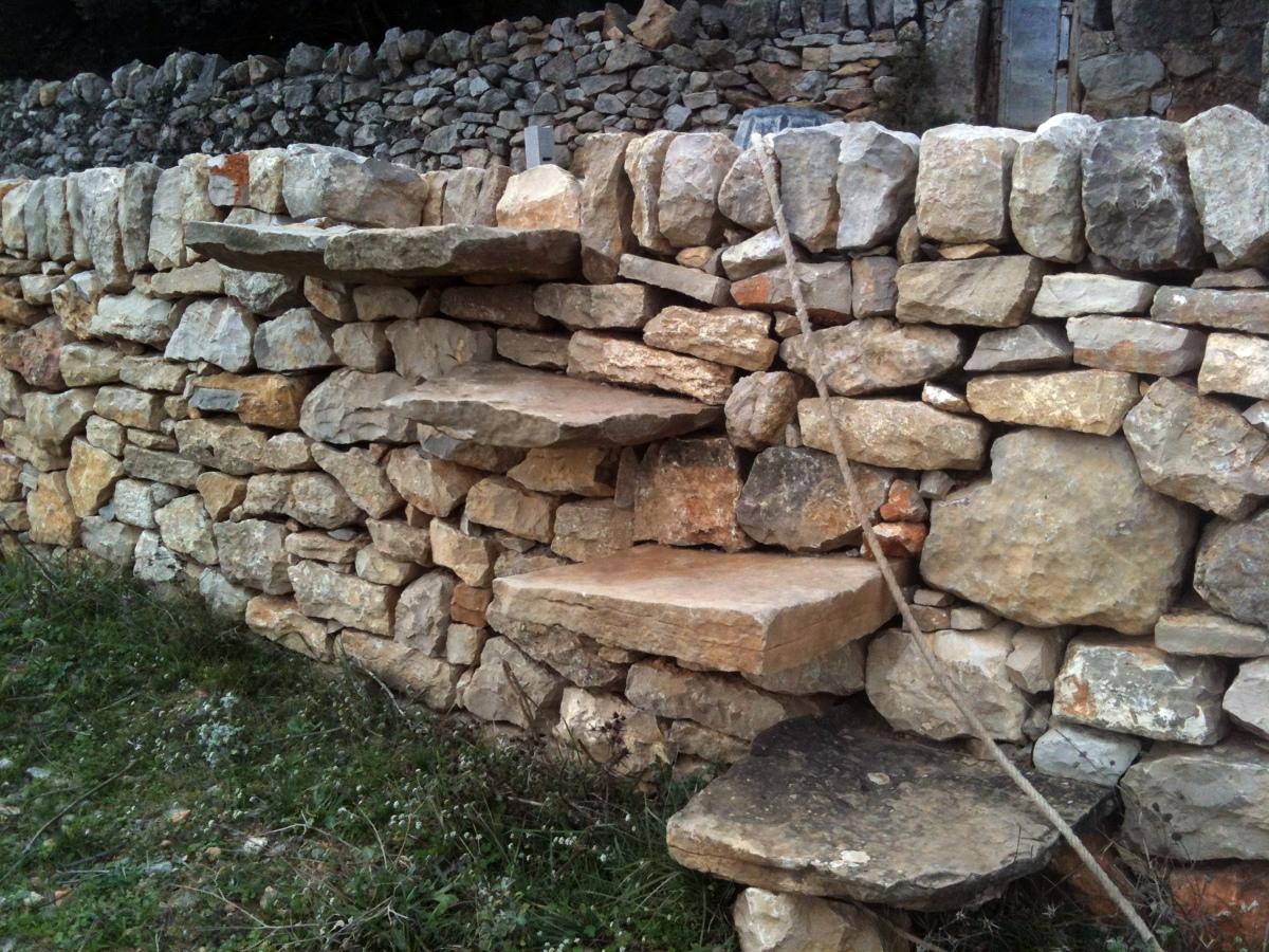 Foto paredes de piedra seca de restauraci n y for Como hacer color piedra