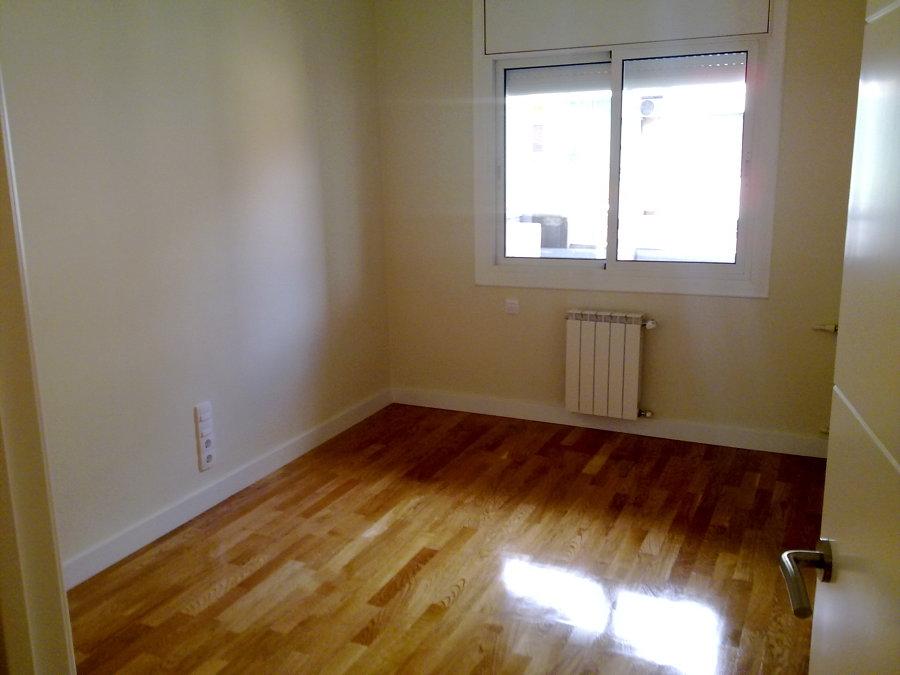Foto parquet calefacci n y pintura de instalaciones y - Pintura para parquet ...