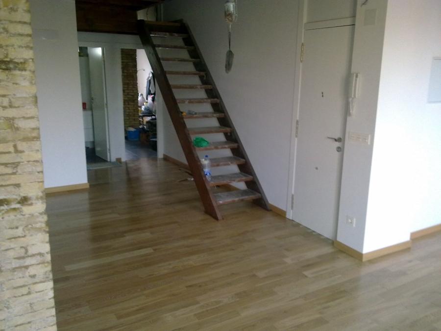 Parquet con escaleras