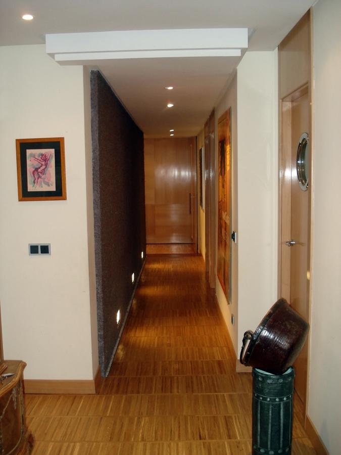 Foto parquet y puertas de madera de cota inicial for Arquitectura de interiores madrid