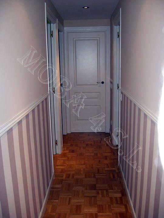 Foto pasillo superior liso y z calo a rayas pintadas con - Pasillos pintados a rayas ...