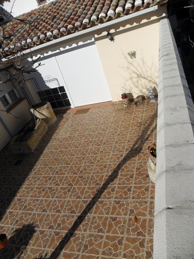 patio exterior con pozo
