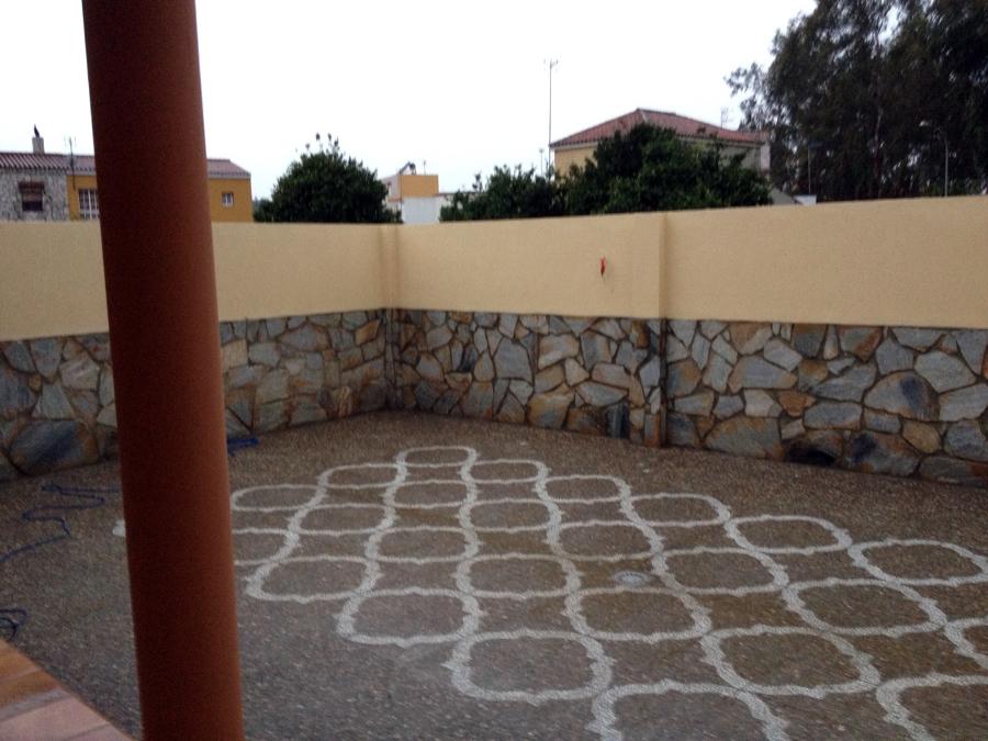 Foto patios traseros de cat bahia sur sl 341630 for Ideas de patios traseros