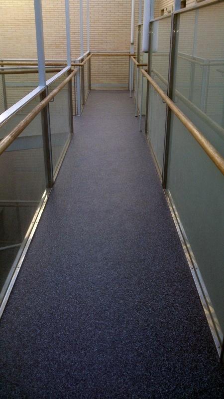 Foto pavimento lin leo rellanos escalera vecinos2 de - Pavimento de linoleo ...