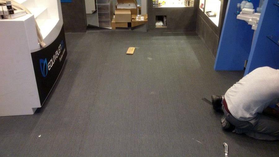 Foto pavimento vinilo tejido en tienda de soltec - Soltec murcia ...