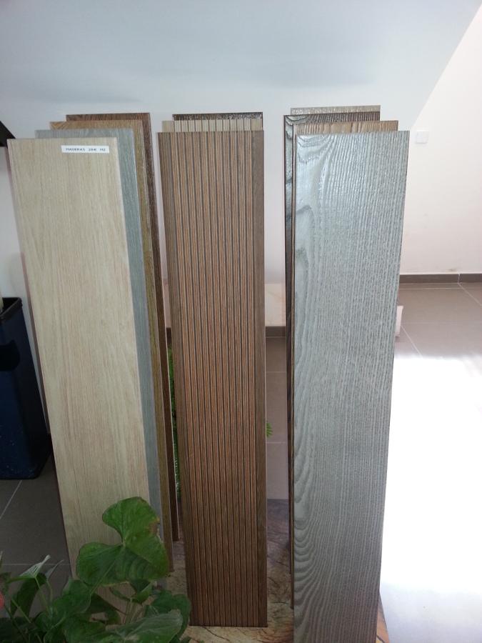 Foto pavimentos imitacion madera de materferpa s l - Pavimento ceramico imitacion madera ...
