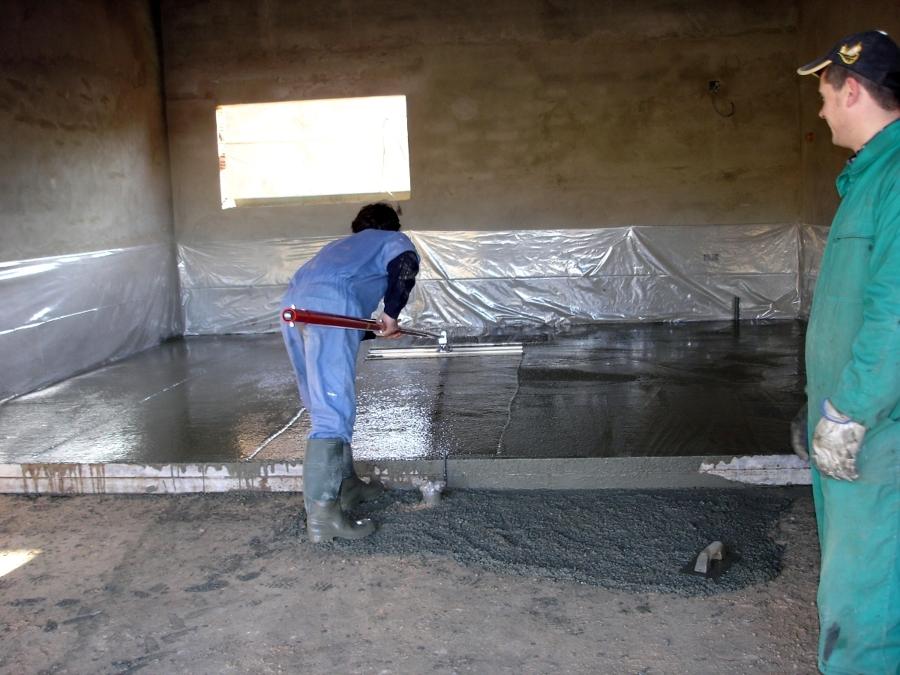 Foto pavmentando el suelo de garaje de construcciones - Suelos de garajes ...