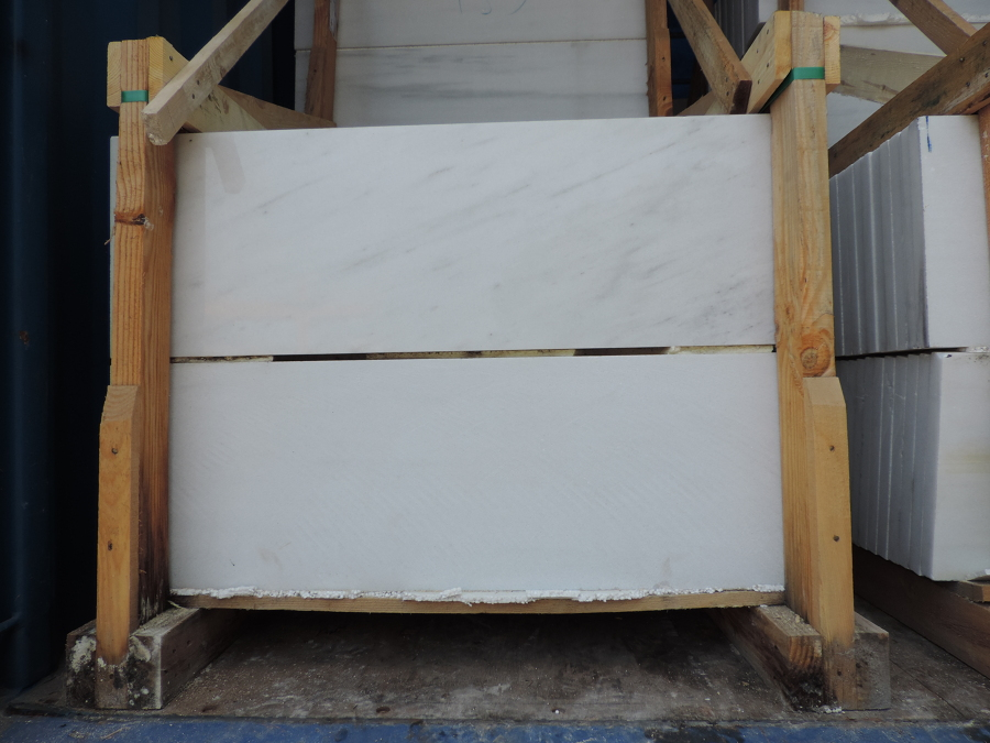 Foto pelda os m rmol blanco de marmoles ferosa 1006284 - Peldanos de marmol ...