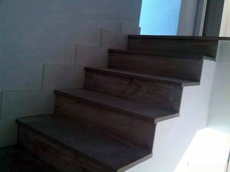 Foto pelda os escalera de carpinter a hermanos campos 462180 habitissimo - Escaleras de peldanos ...