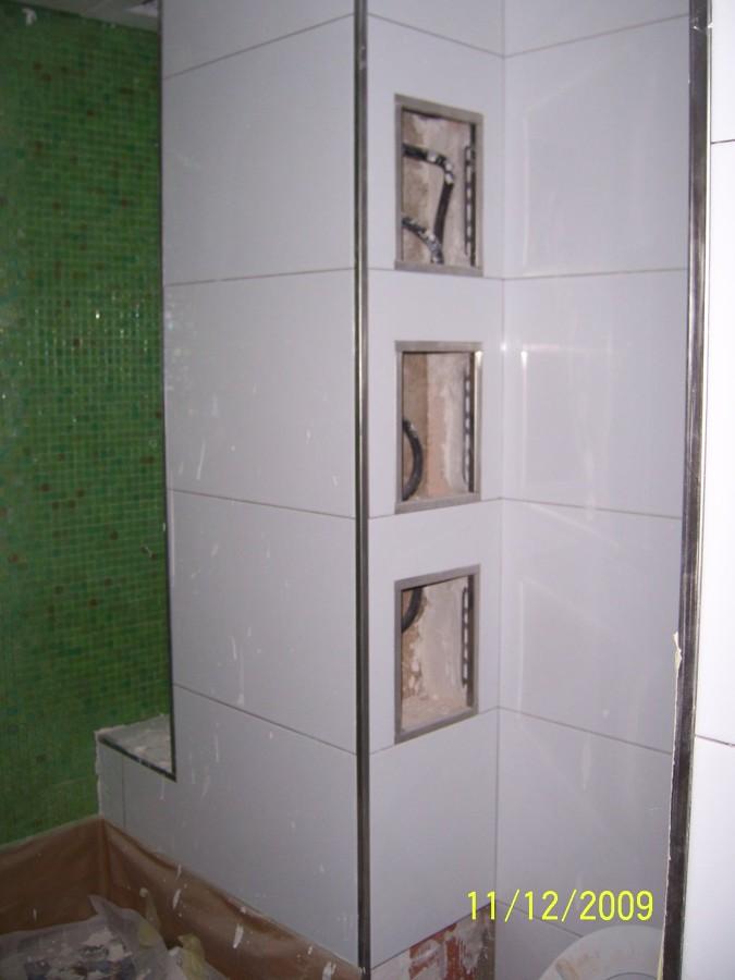 Foto peque os huecos en cuarto de ba o para depositar los - Accesorios para cuarto de bano ...