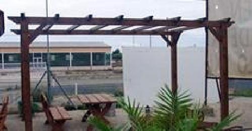 Foto pergola abierta de madera tratada de tapicor - Pergolas de madera en sevilla ...
