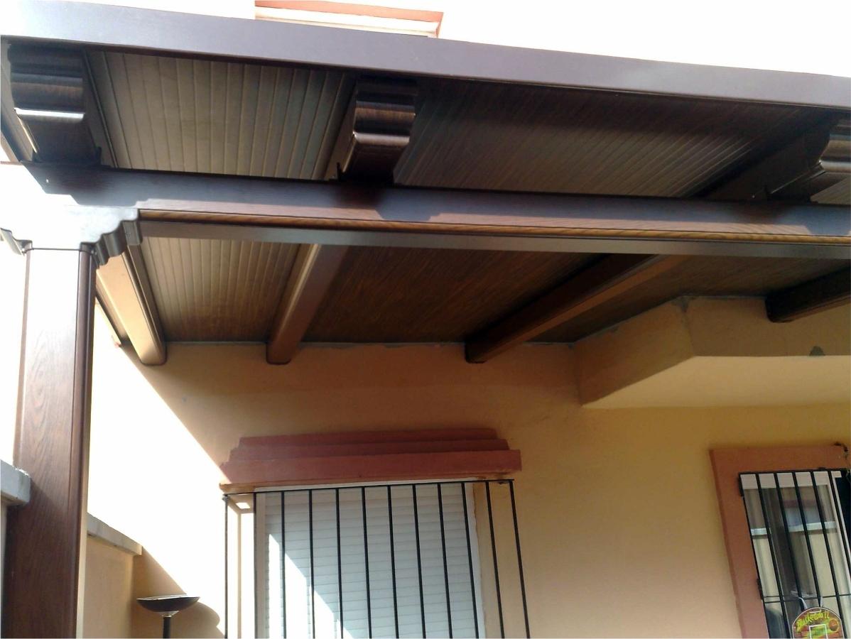 Foto pergola aluminio imit madera de manuel falc n for Tejados madera vizcaya