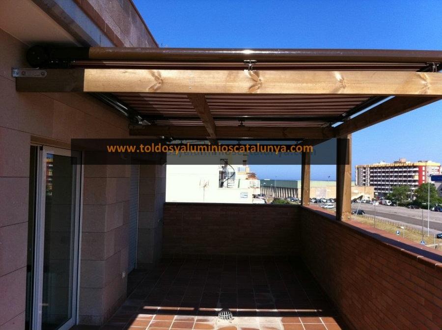 Foto p rgola de madera de toldos y aluminios catalunya - Pergolas de madera en sevilla ...