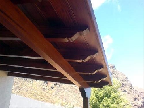 Foto pergolas tejados en madera de ibermasa 236694 for Tejados de madera antiguos