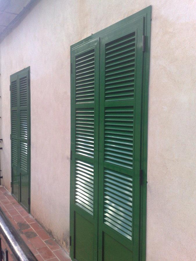 foto persiana mallorquina lacada en verde de jm