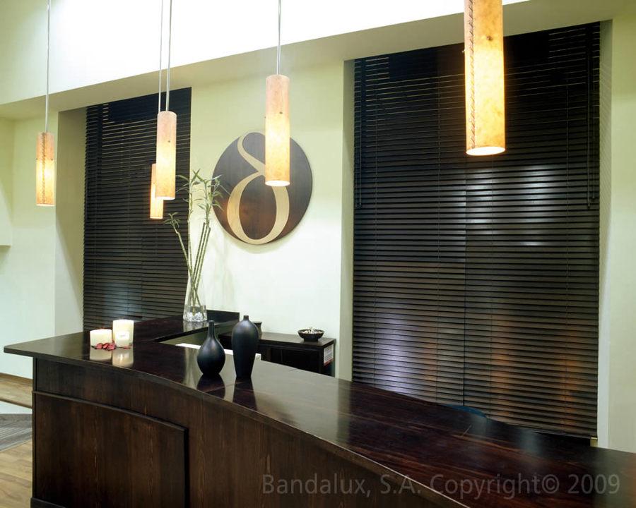 Foto persianas venecianas de madera de m rcora decoraci n for Decoracion hogar tenerife
