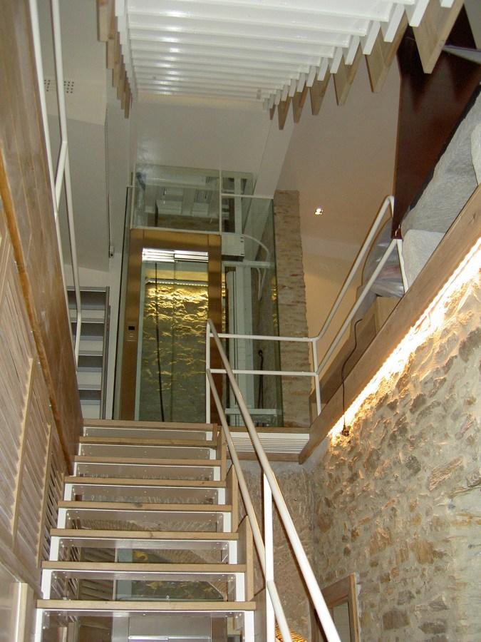 escalera/piedra interior