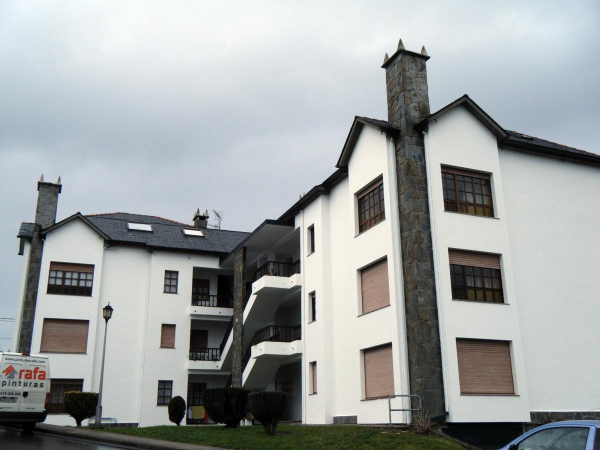 Foto pintado fachada edificio 14 viviendas de - Pintado de fachadas ...