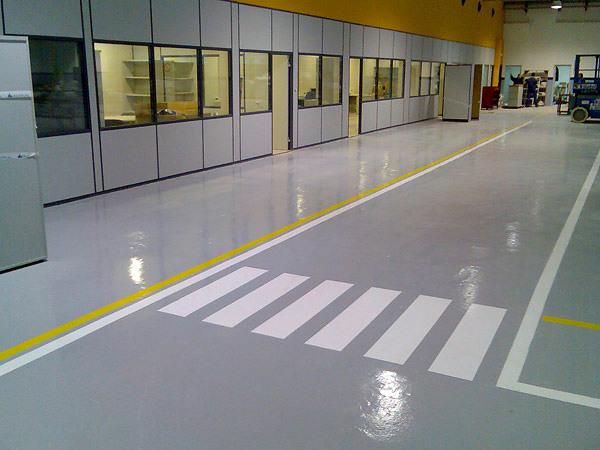 Foto pintar suelo de taller de dscolor 133651 habitissimo - Pintura poliuretano suelos ...