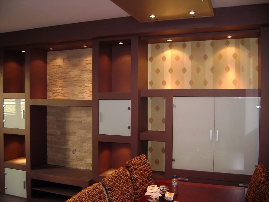 Foto pintar y lacar muebles ibicencos de pintura y for Pintura para lacar muebles