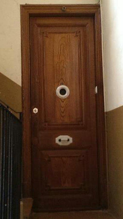Foto pintura de puertas de marc malart 628044 habitissimo - Pintura para puertas ...