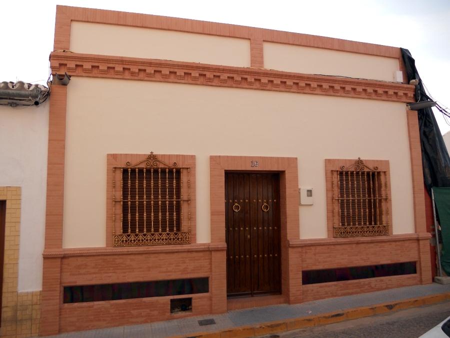 Foto pintura en exteriores de pintura kira 244026 for Pintura para exteriores