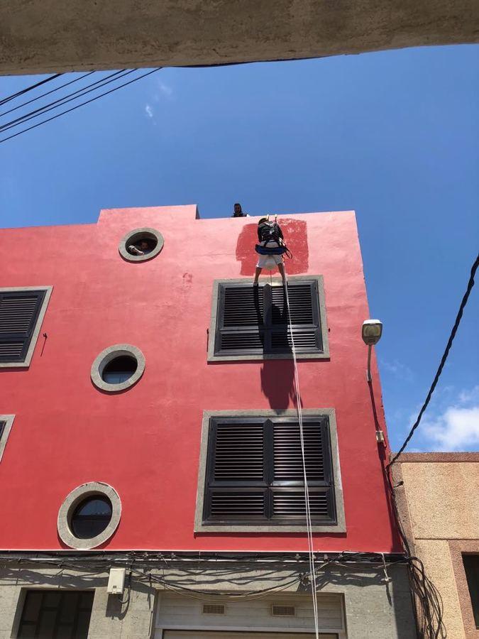 pintura exterior de fachada trabajo vertical 3.JPG