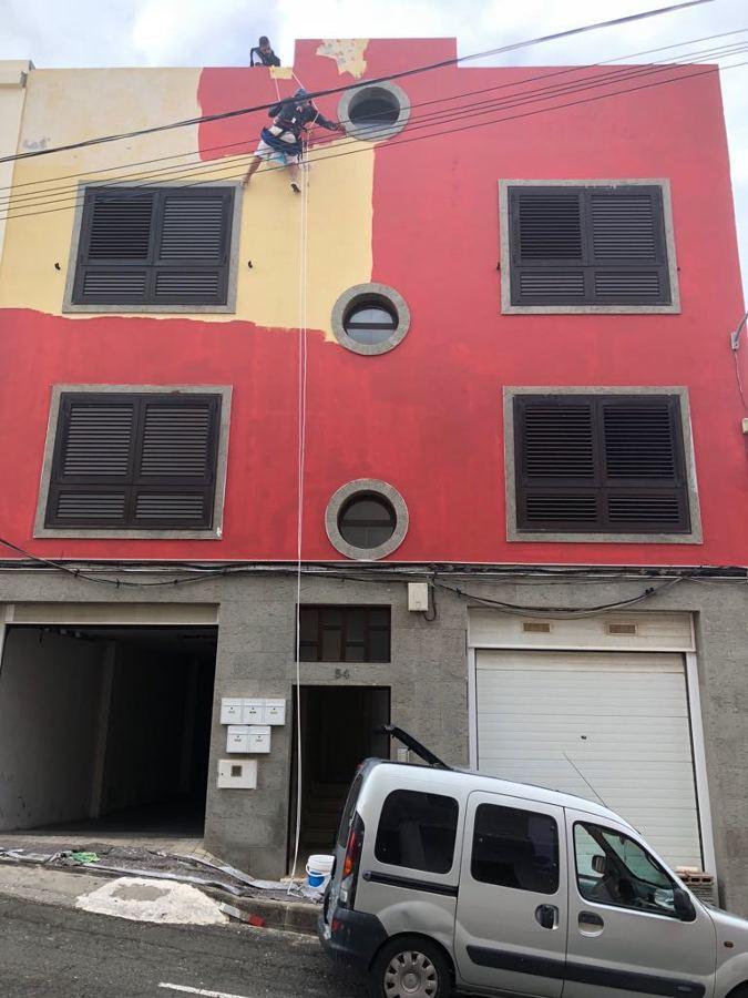 pintura exterior de fachada trabajo vertical 4.JPG