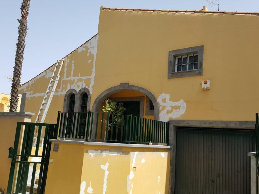 Pintura exterior fachada Santa Brigida.JPG