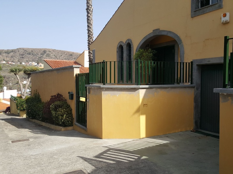 Pintura exterior fachada terraza Santa Brigida.JPG