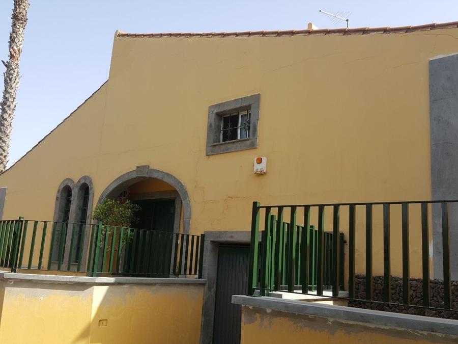 Pintura exteriror fachada y terraza Santa Brigida.JPG