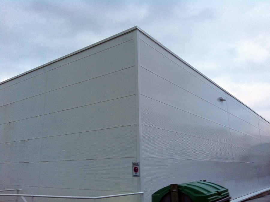 Foto pintura fachada de flavius gosav 385677 habitissimo - Escalera piscina decathlon ...