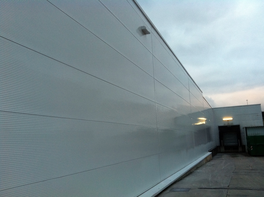 Foto pintura fachada de flavius gosav 385679 habitissimo - Escalera piscina decathlon ...