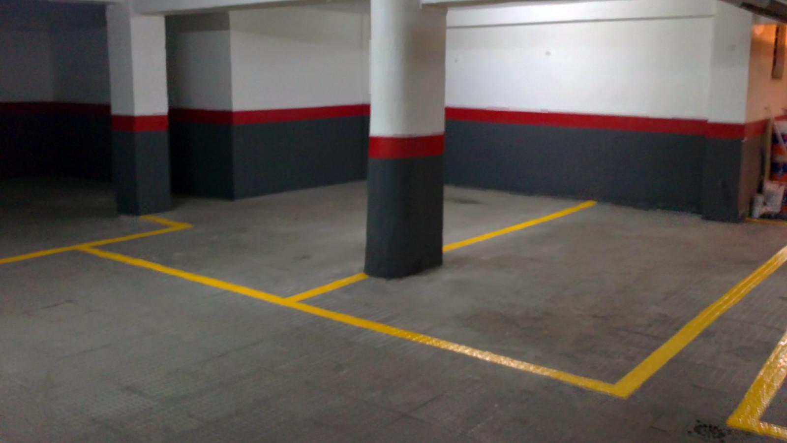 Foto pintura indicadas para garaje parte superior de las for Pintura para suelos de garaje