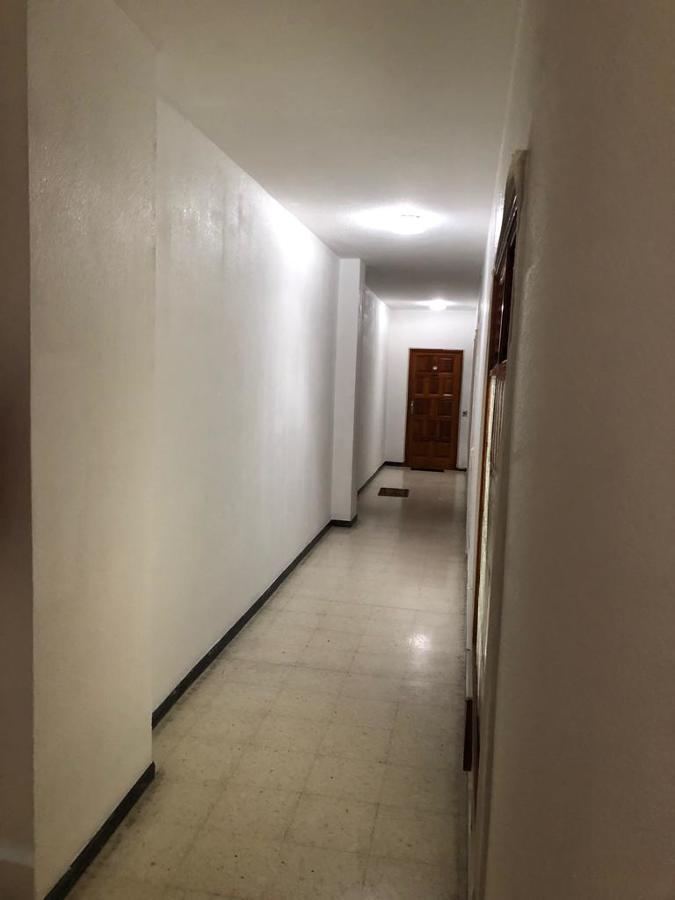 pintura interior caja de escalera edificio 4.JPG