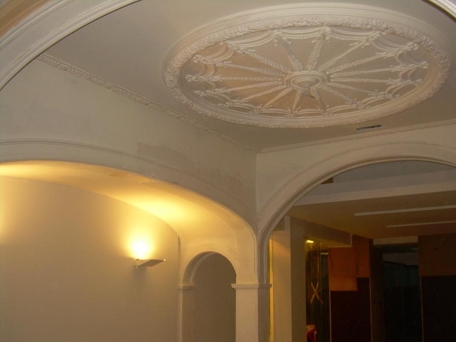Pintura interior de banco Santander