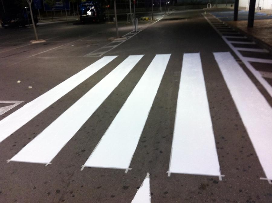 Foto pintura parking de flavius gosav 385682 habitissimo - Pintura para parking ...