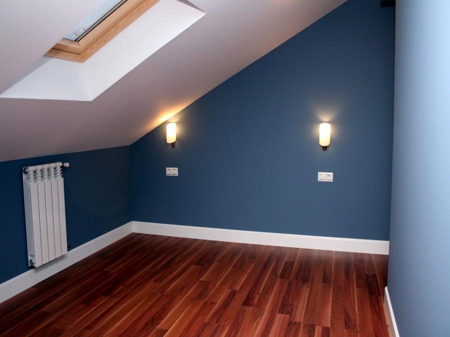 Foto pintura plastica lisa en color de rea imasd s l for Pinturas plasticas para interiores