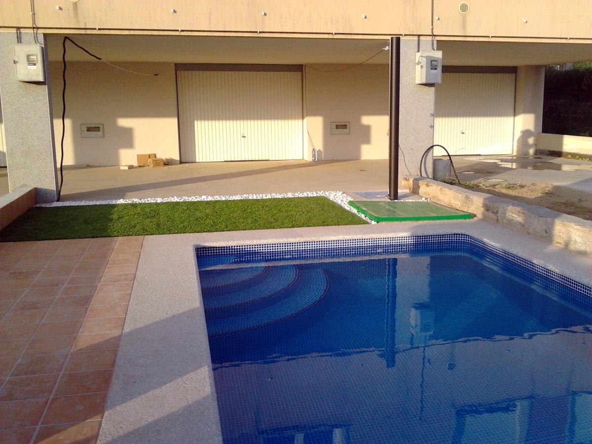 Foto piscina 5 50 x3 m de piscinas fraiz 387452 for Piscina 50 m