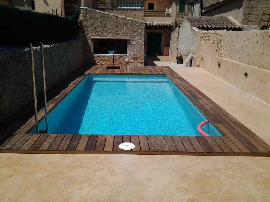 Foto piscina 7 x 4 con tarima de ipe de piscines jm for Tarima piscina