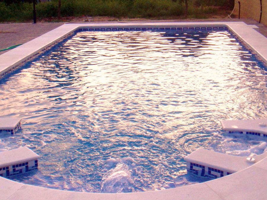 Foto piscina 8x4 de piscinas hermanos sevillano 258490 for Piscina 8x4 precio