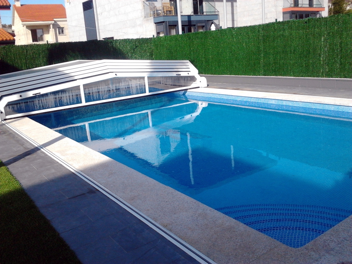 Foto piscina con cubierta de piscinas fraiz 387460 for Piscina cubierta zaragoza