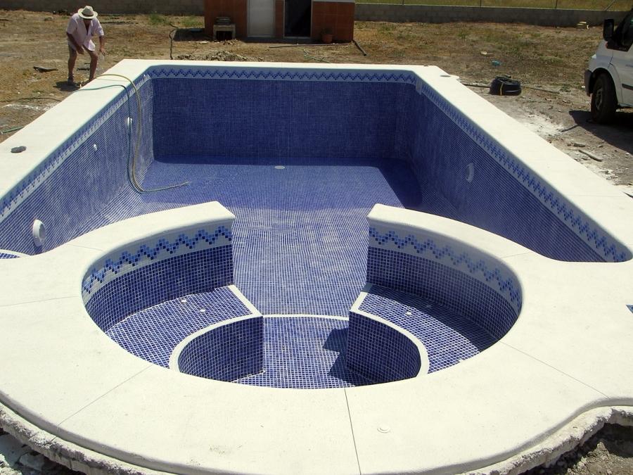 foto piscina con jacuzzi de piscinas aquanorton 286602 ForPiscinas Con Jacuzzi Precio
